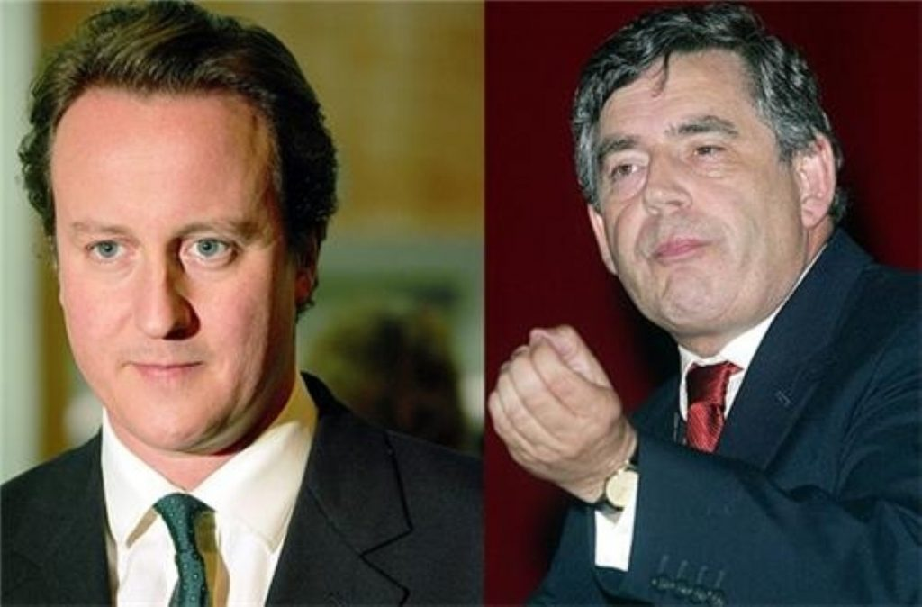 Brown gains on Cameron's lead