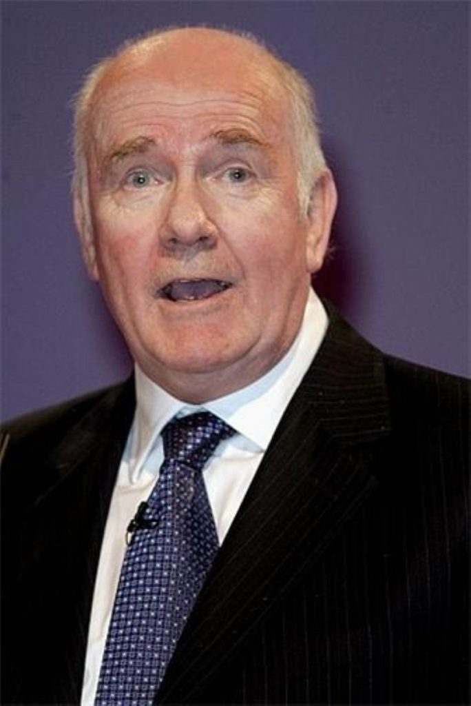 John Reid announces new measures to deal with prison overcrowding