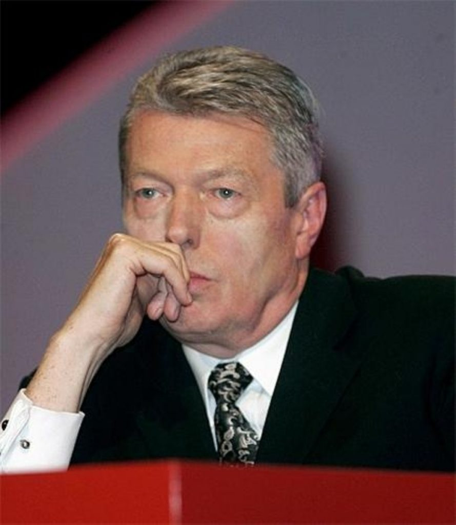 Alan Johnson will stand as deputy leader, not leader