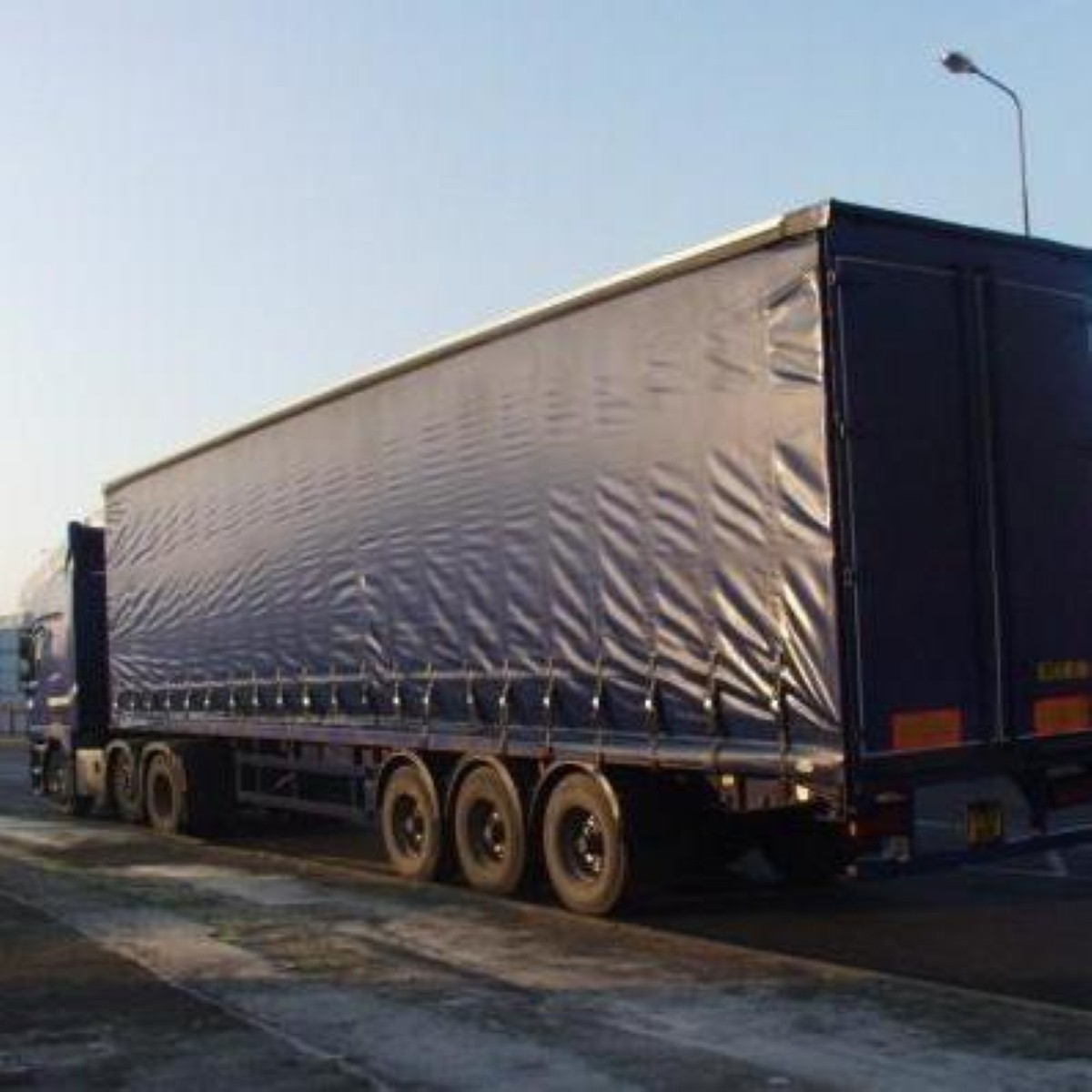 Lorry drivers are protesting against the government