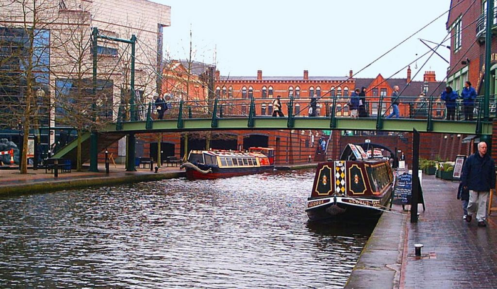 Birmingham's politics bears comparison with the national picture