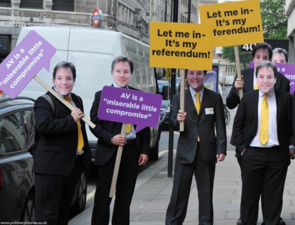 A 'no' campaign stunt outside a 'yes' campaign rally. Photo: www.politicalpictures.co.uk