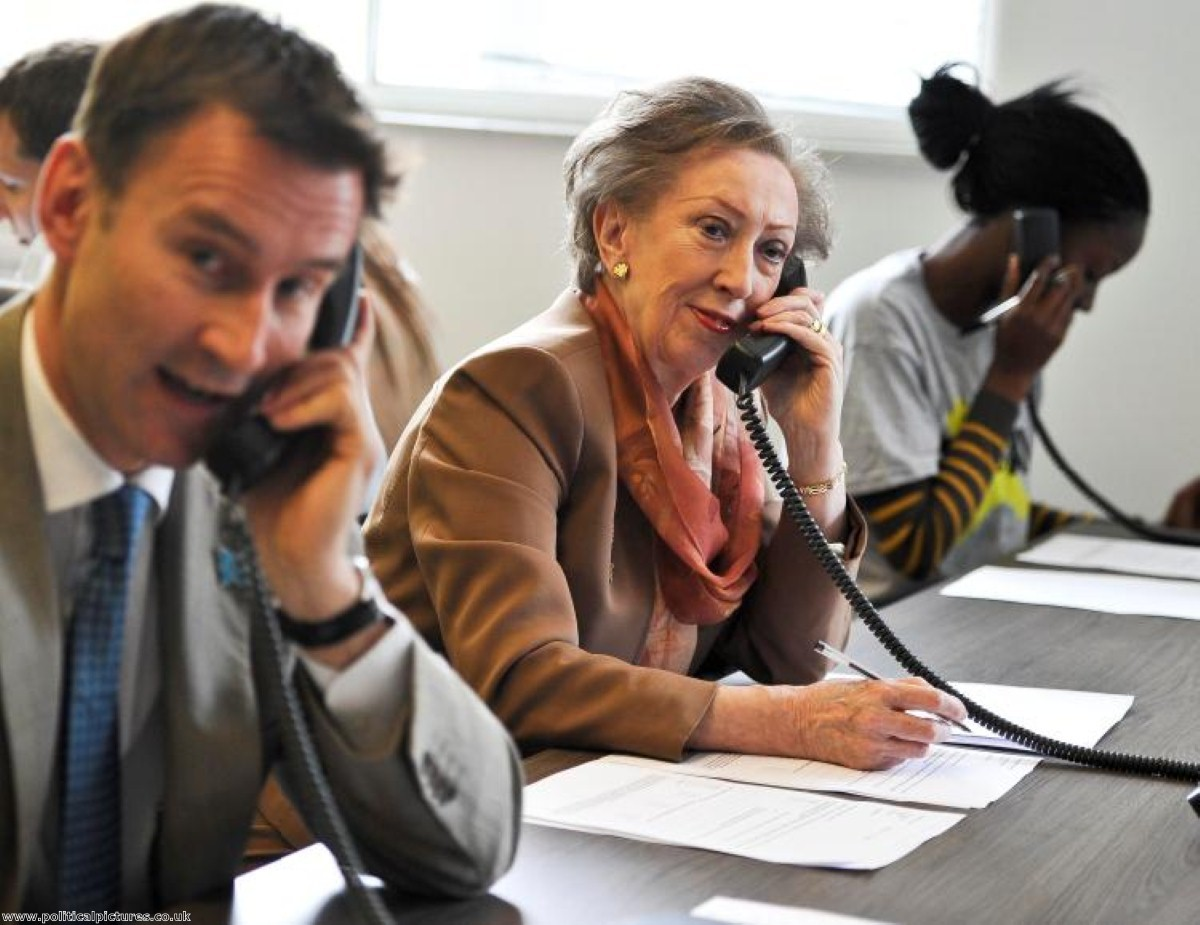 Jeremy Hunt and Margaret Beckett canvass 'no' supporters. Photo: www.politicalpictures.co.uk
