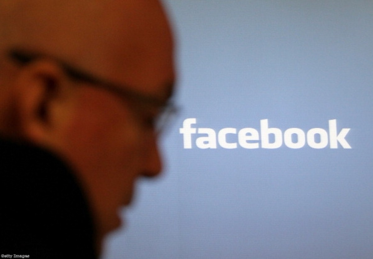 Cameron threatens to block social media companies that do not cooperate with security services