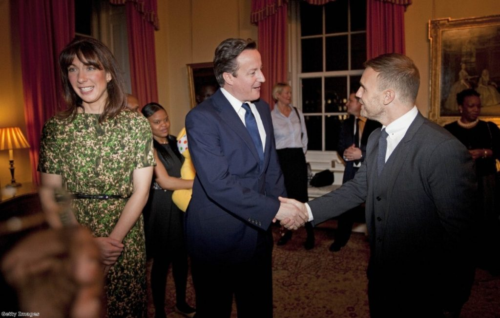 Shake That: Cameron welcomes Barlow to Downing Street