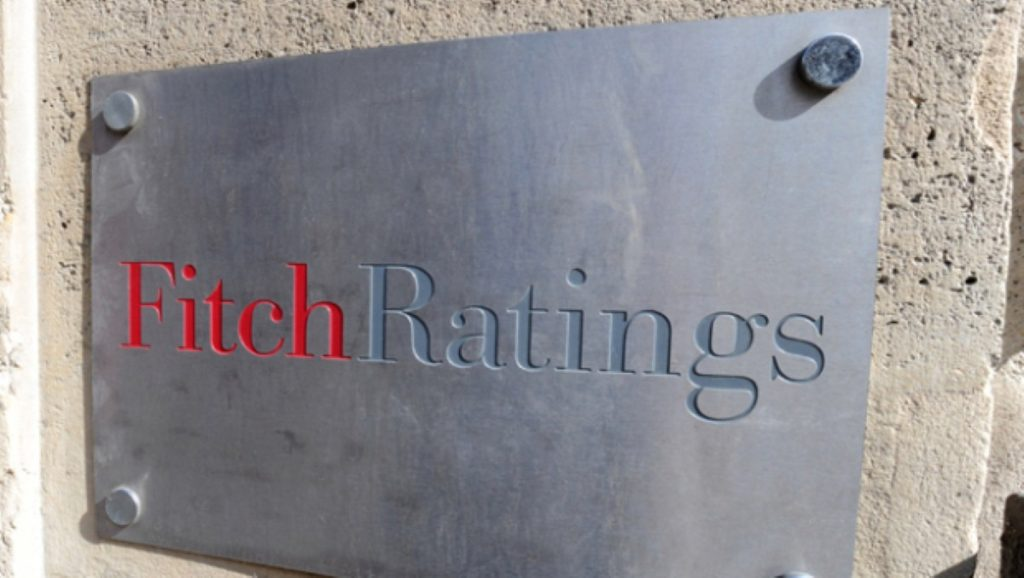 Fitch: UK could lose AAA rating
