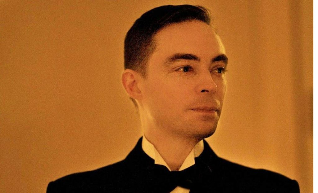 Clayton Hartley is a blogger and co-runs the Candlelight Club