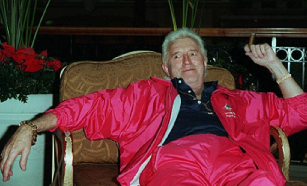 Jimmy Savile committed 214 sexual offences between 1955 and 2009, Met report says