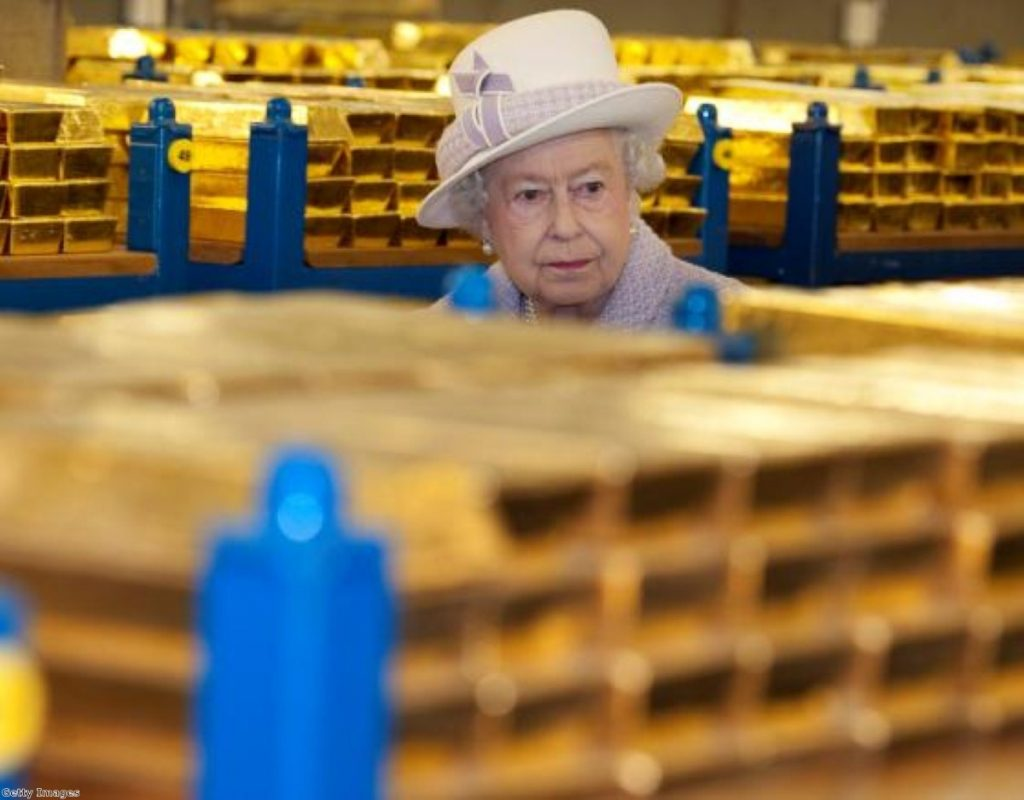 The Queen amongst her gold