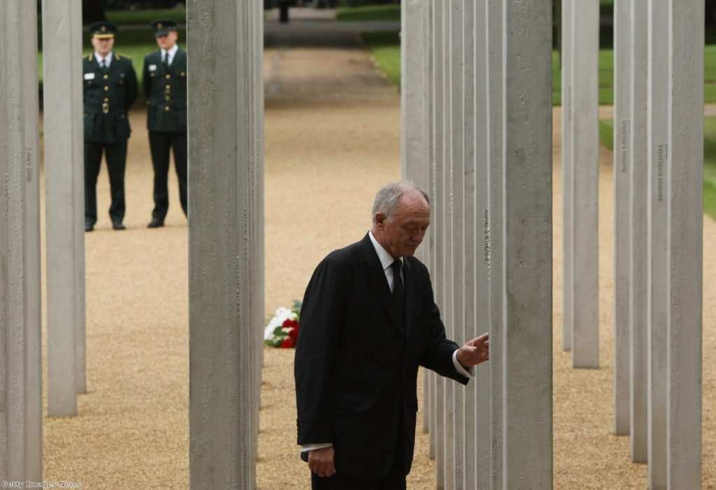 Livingstone pays his respects at the memorial to the victims of the 7/7 bombings during the six-year anniversary in 2011