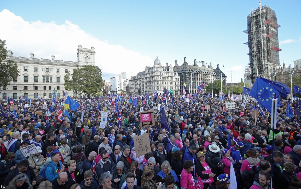 Huge crowds demanded a second referendum outside parliament as MPs voted today