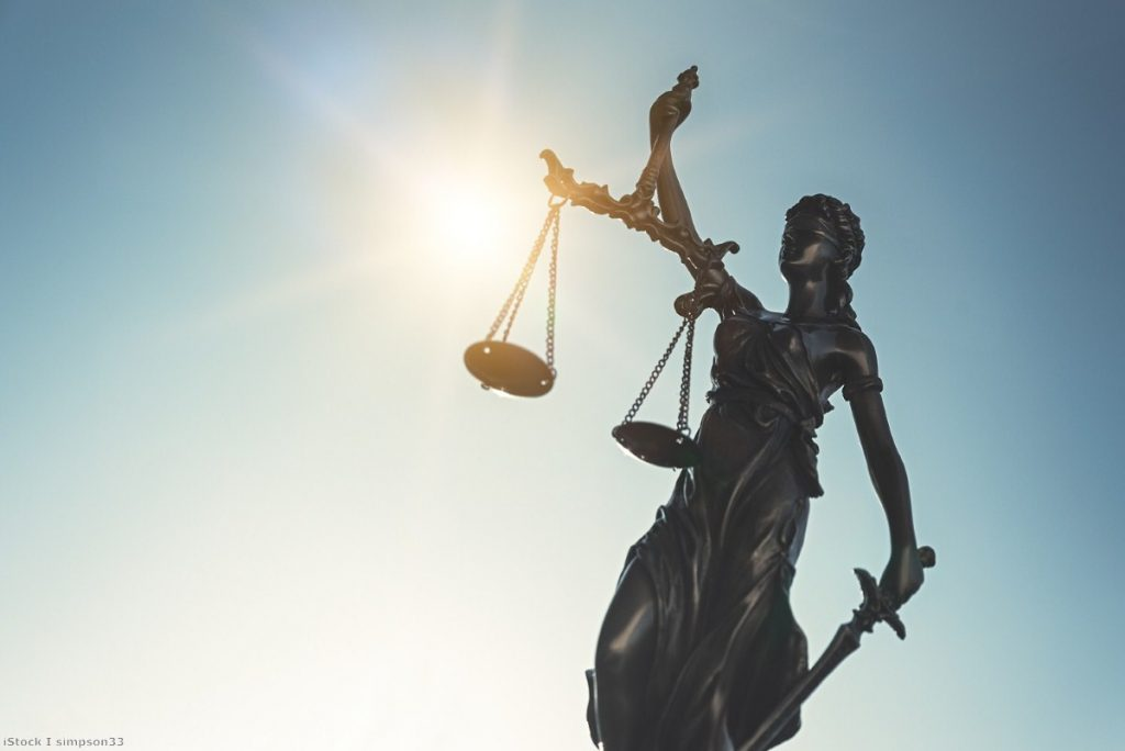 Plans for the UK to join the patent court system have been dropped.