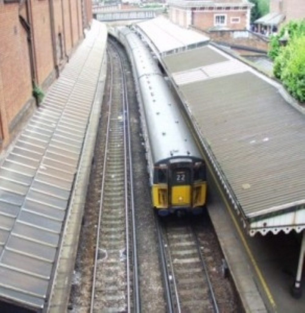 Rail regulator threatens to turn to Competition Commission