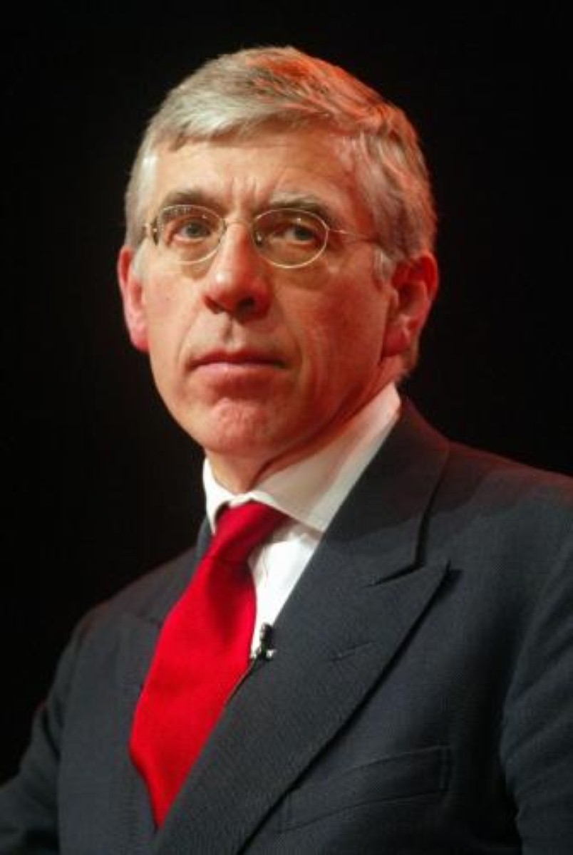 Straw calls for national conversation on prisons