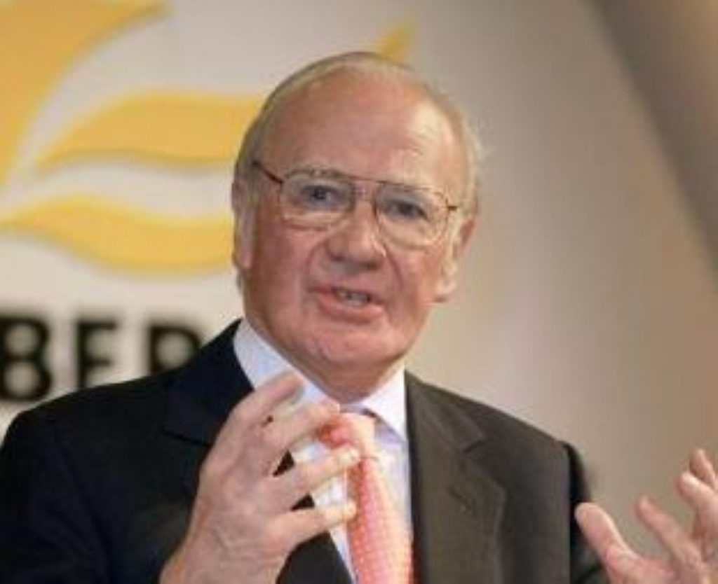 Menzies Campbell promises to reform the Liberal Democrats