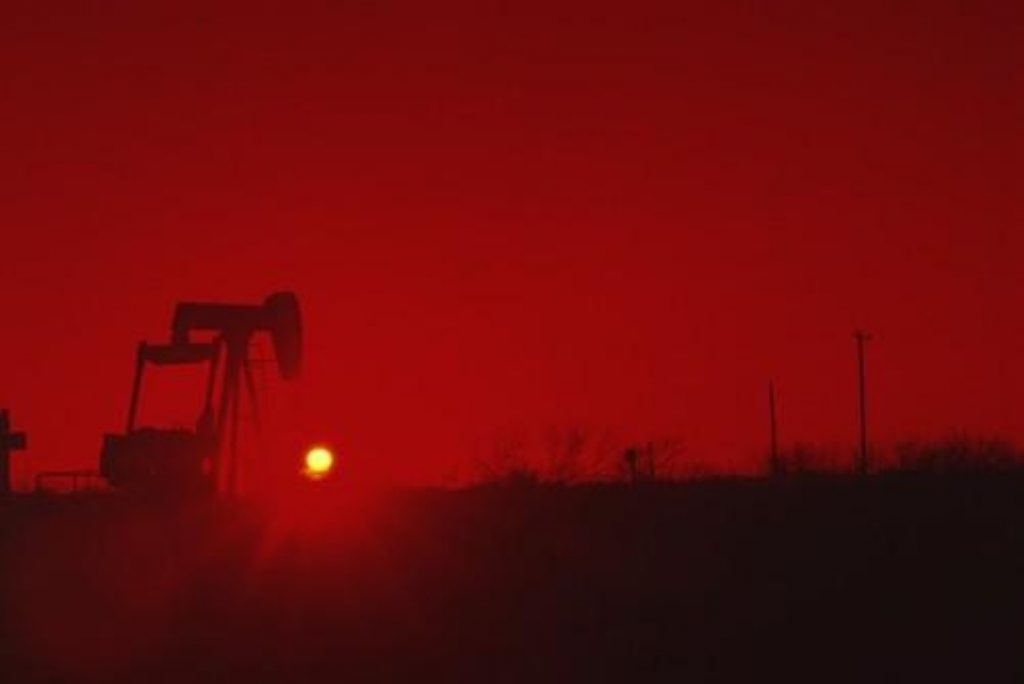 Miliband calls for post-oil economy
