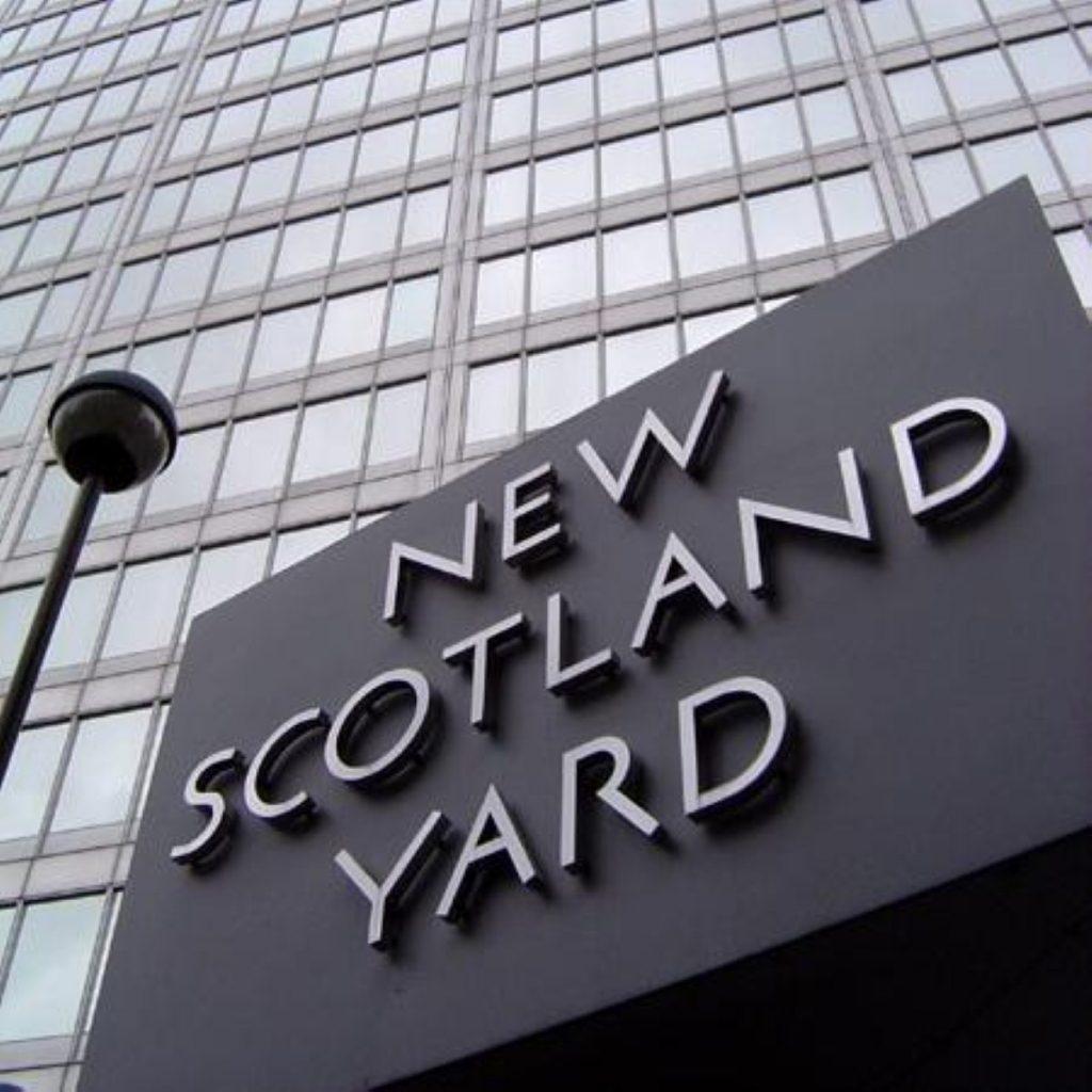 Met chief orders inquiry into terror suspect assault