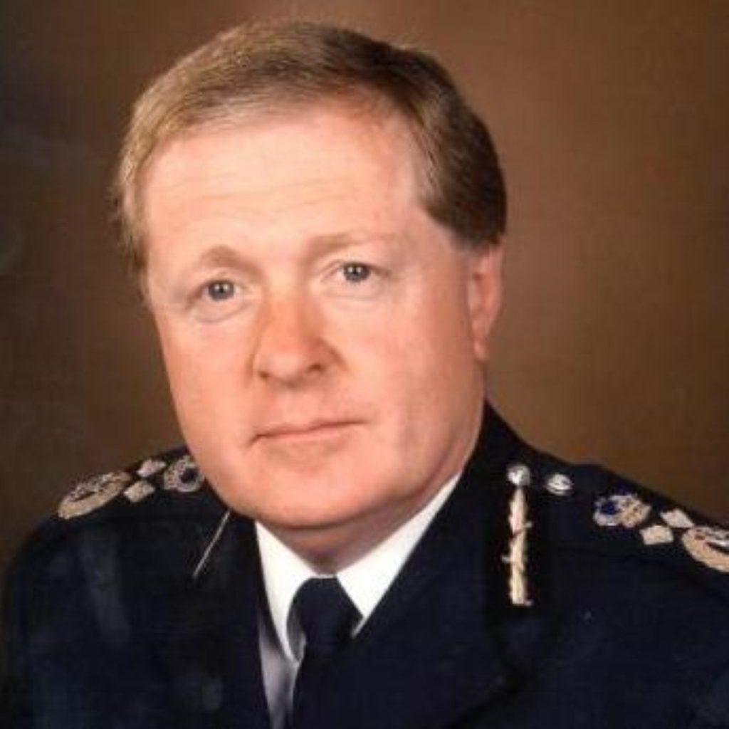 Ian Blair calls for longer detention for terror suspects