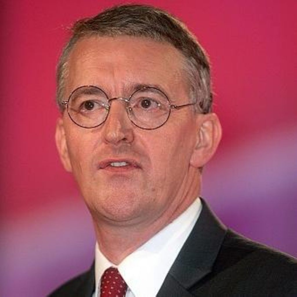 Benn urges households to 'Act on CO2'