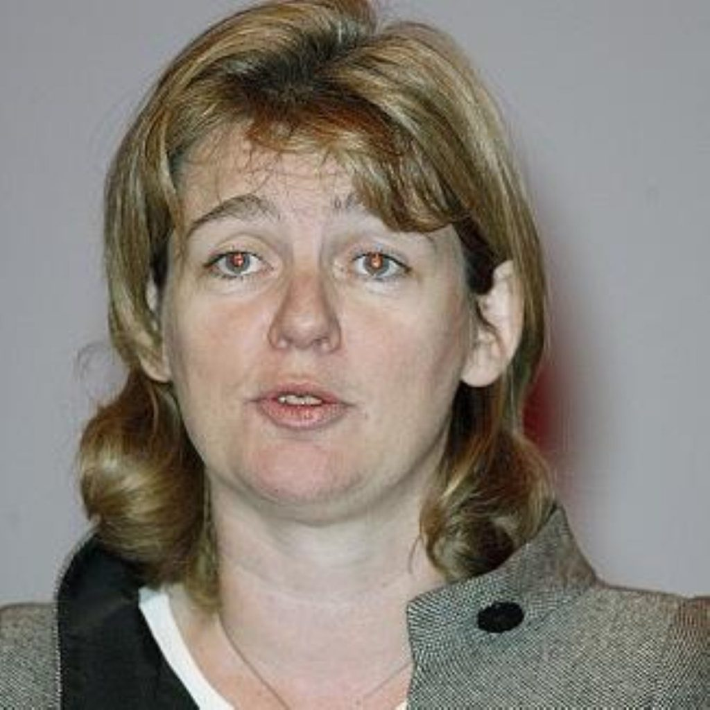 Transport secretary Ruth Kelly has announced she will stand down as an MP