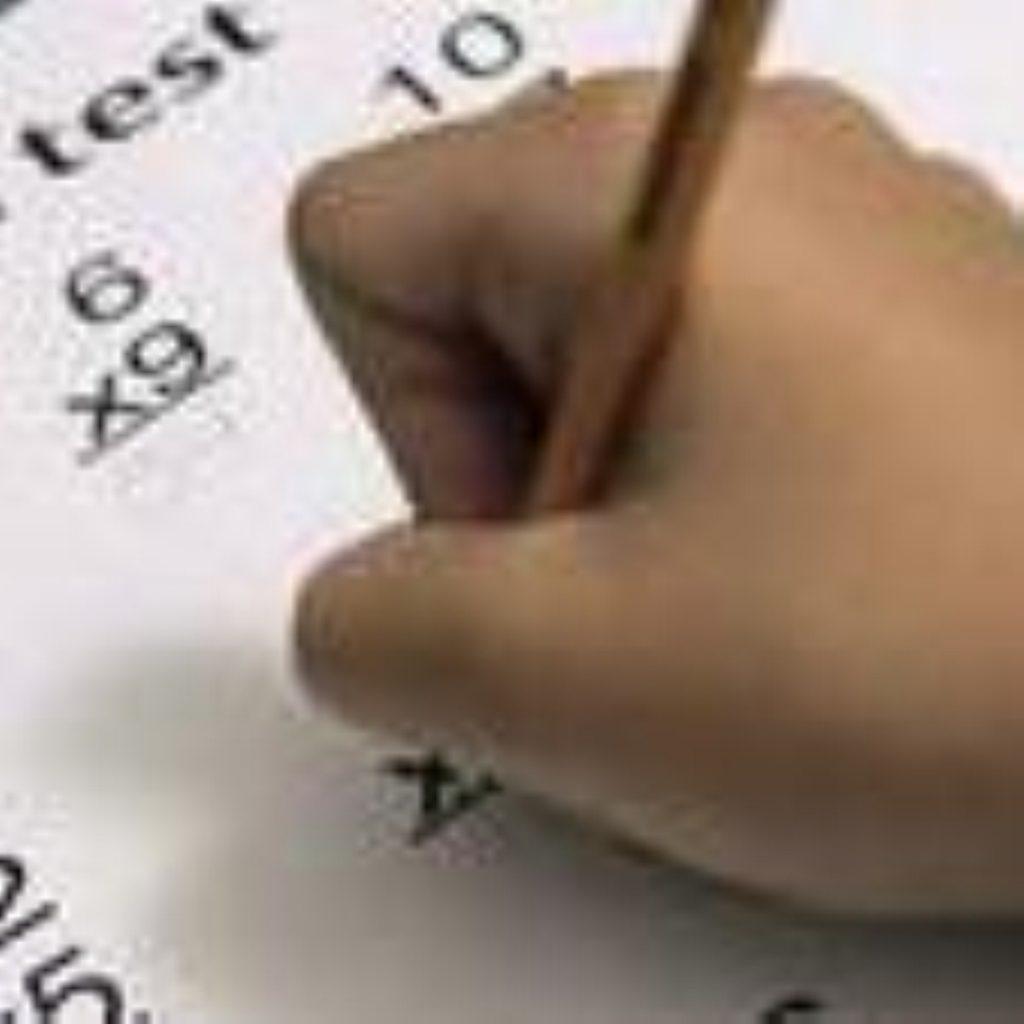 20,000 trainee teachers fail maths test