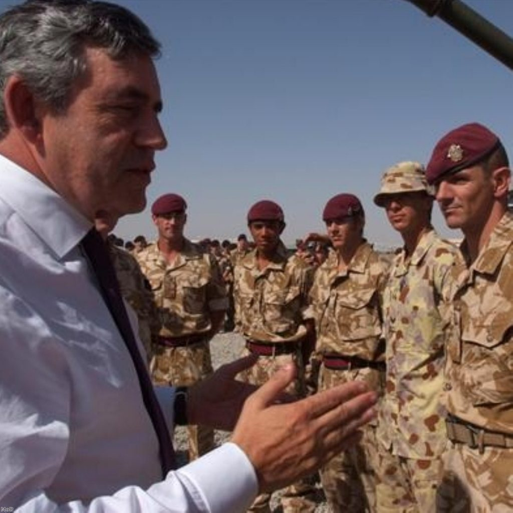 Gordon Brown meets British soldiers serving in Afghanistan