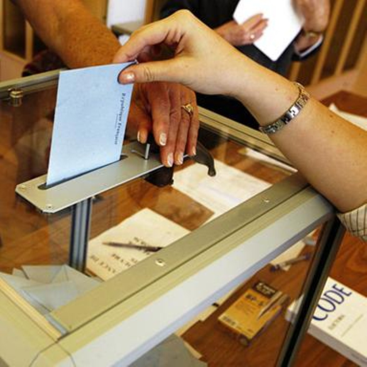 The alternative vote referendum WILL take place on May 5th