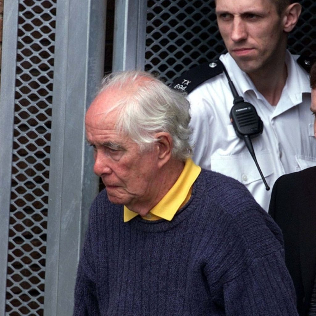 Jack Straw has granted compassionate release for train robber Ronnie Biggs