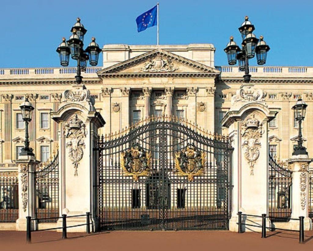 Buckingham Palace has denied raising concerns on Coulson