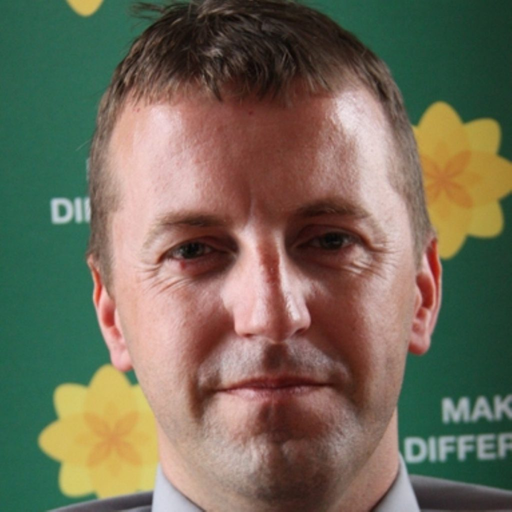 Plaid Cymru Treasury spokesperson Jonathan Edwards comments on Autumn statement 2011