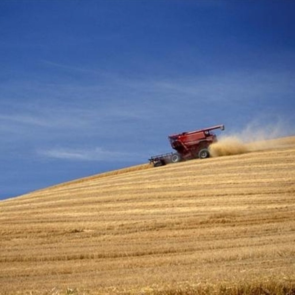 Farmers had paid up to £22.5 million because of payment delays, auditors said
