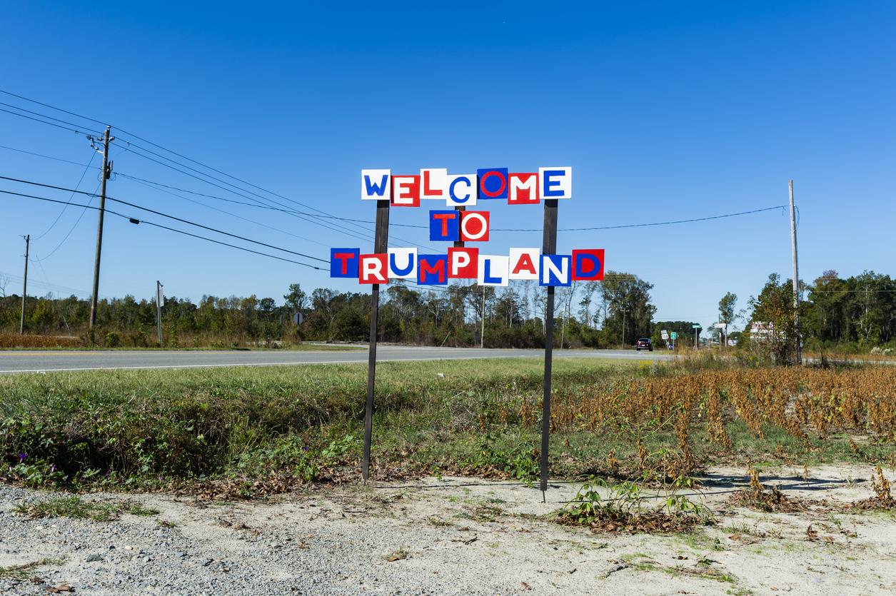 Trumpland Sign
