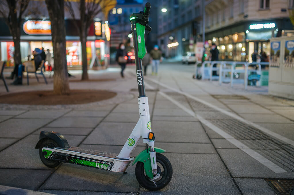 Report calls for expansion of e-scooters despite safety concerns